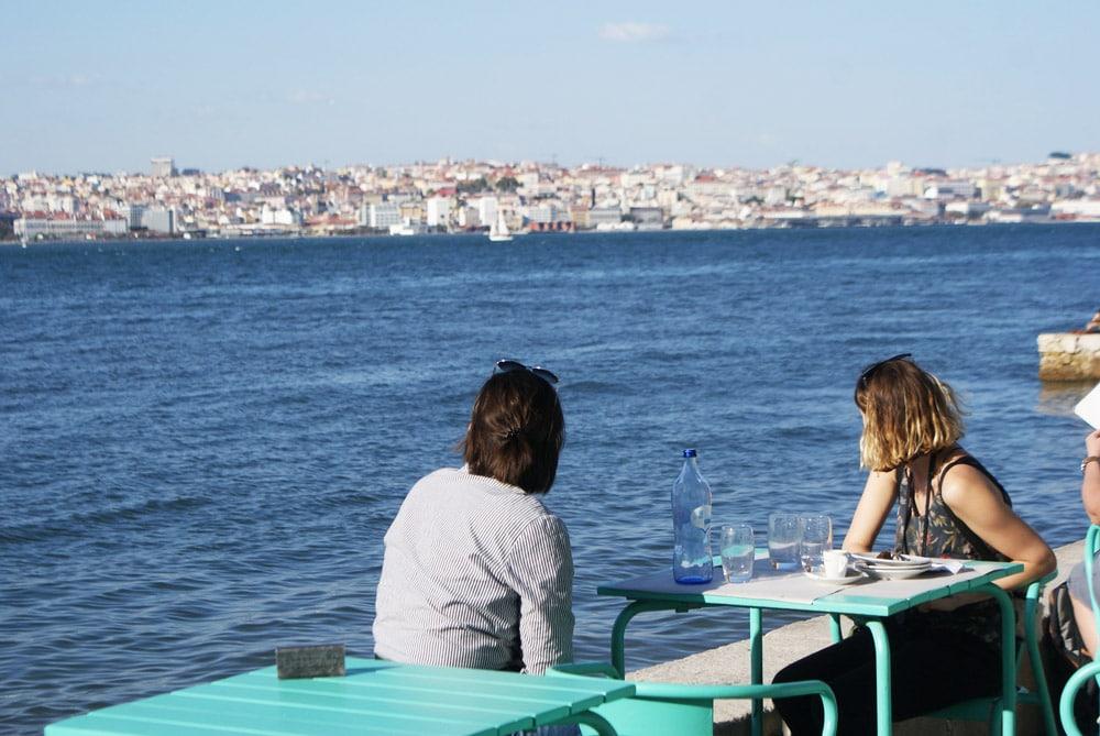 Restaurant au bord de l'eau de la rive sud de Lisbonne : Juste exceptionnel !