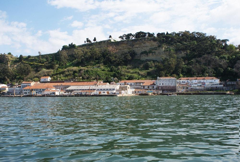 Almada, rive sud de Lisbonne.