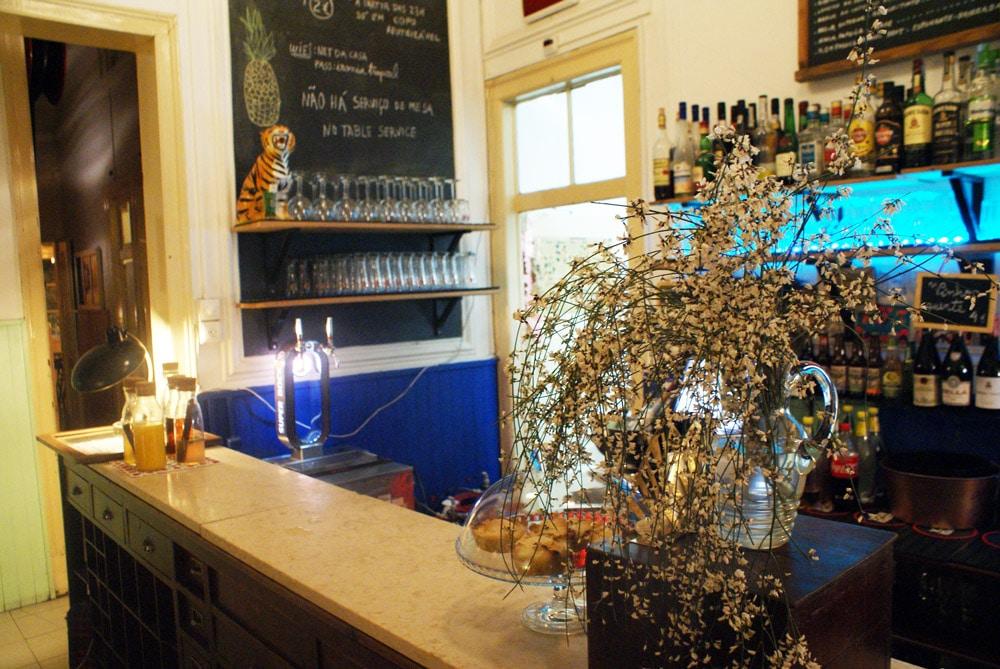 Bar et concerts à la Casa Independente dans le quartier d'Intendente à Lisbonne.