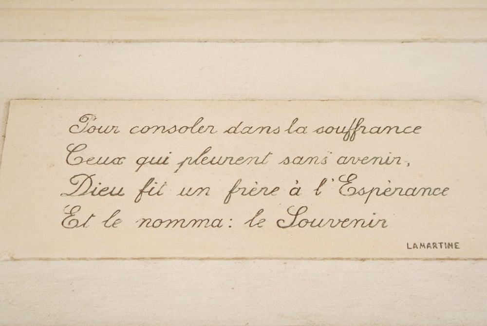 Extrait d'une poésie de Lamartine au Cimetière de Prazeres à Lisbonne.