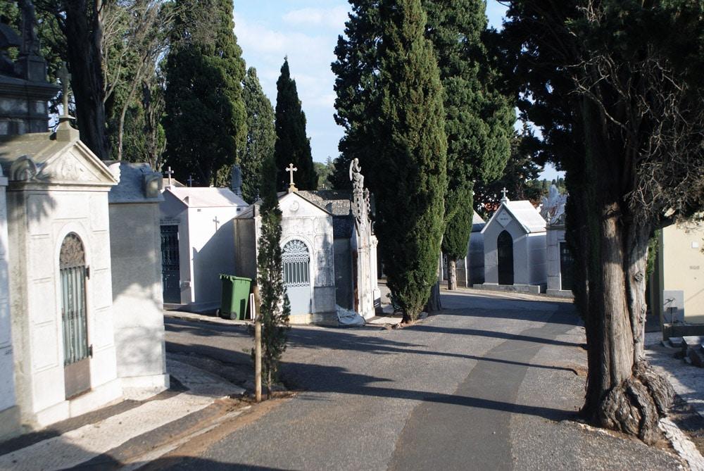 Rue du cimetière de Prazeres, nécropole de Lisbonne