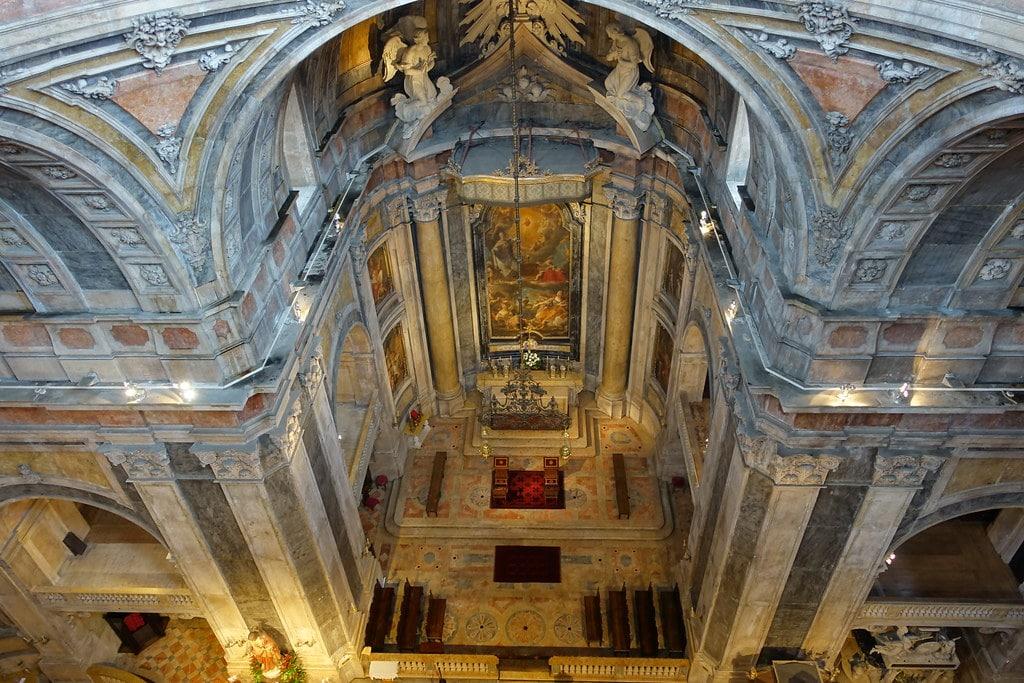 Dans la basilique d'Estrela à Lisbonne.