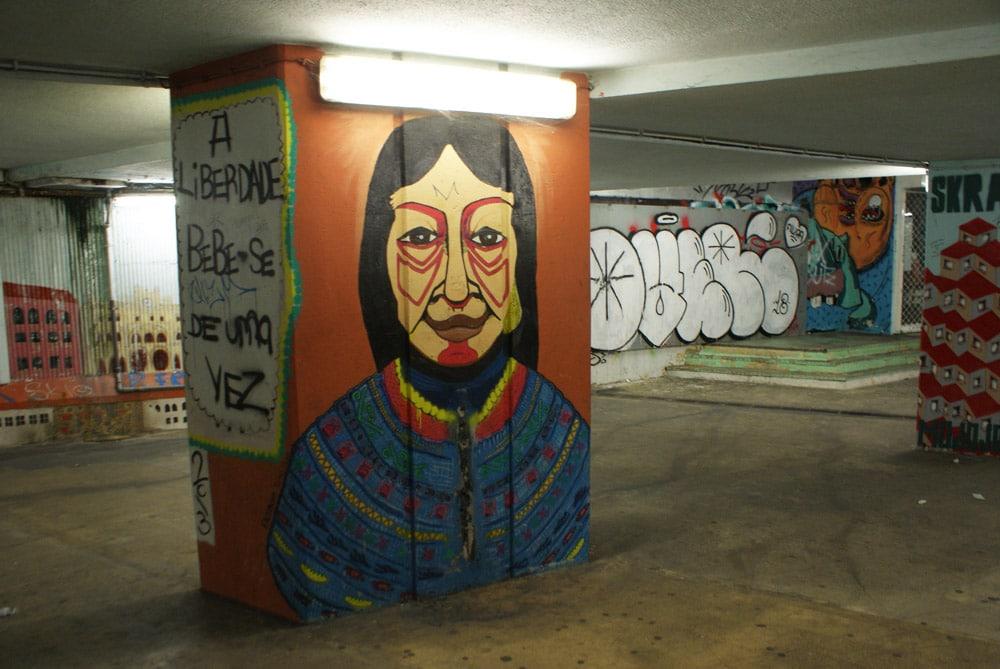 > Street art en route vers la LX Factory à Lisbonne.