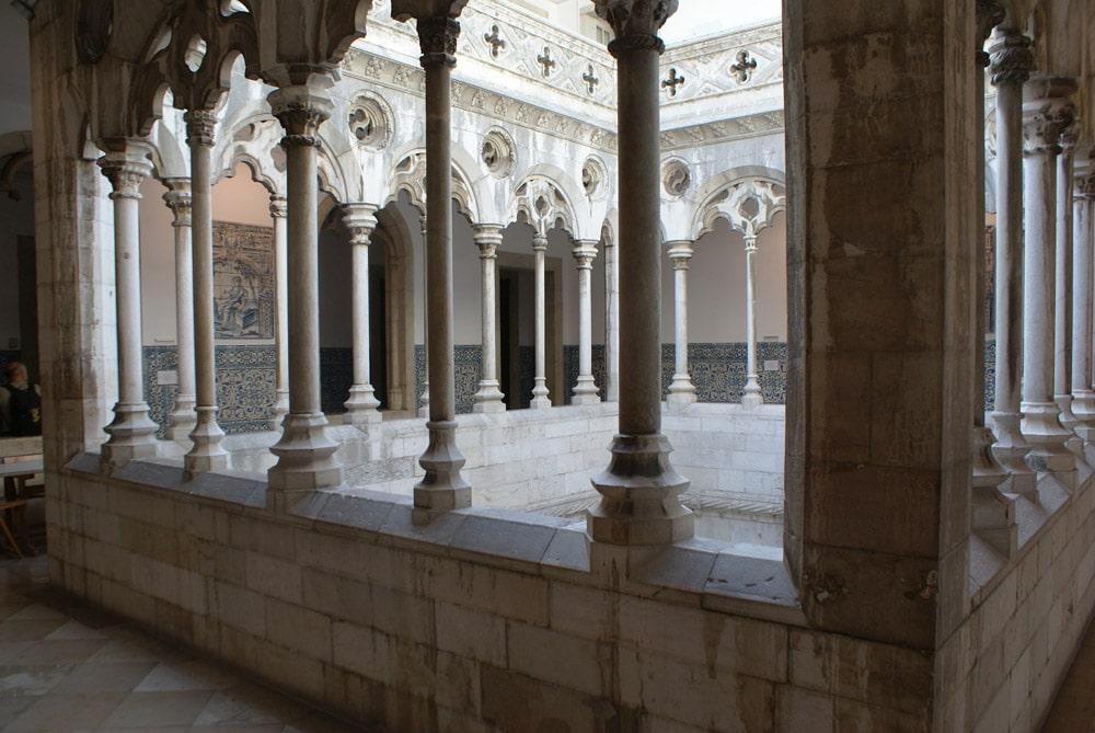 Cour intérieure de l'ancien couvent devenu Musée de l'Azulejo de Lisbonne.