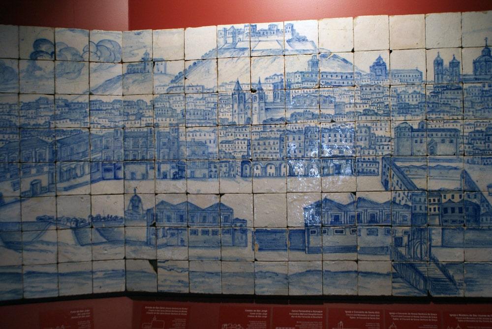 Fresque de Lisbonne avant 1755 au Musée de l'Azulejo à Lisbonne.