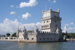 Venir en avion à Lisbonne : Infos pratiques et conseils