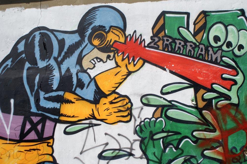 Street art et super héros dans le quartier de Dalston à Londres.
