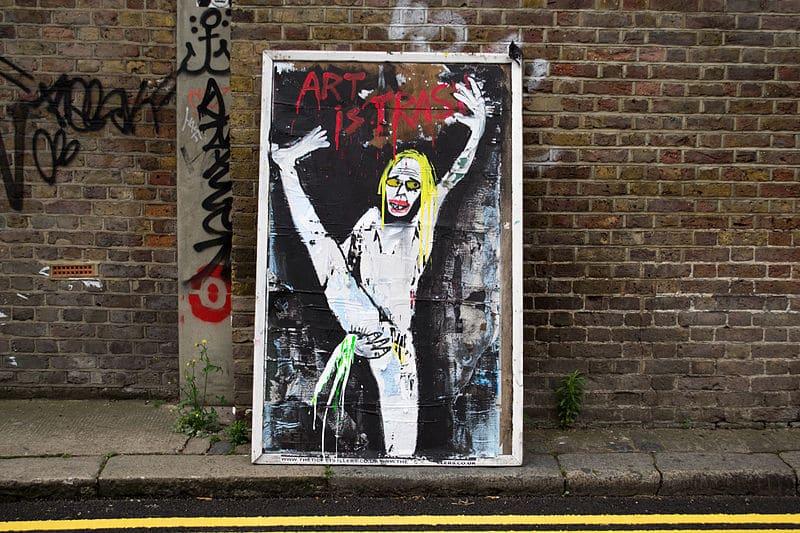 """""""Art is trash"""" dans le quartier arty de Shoreditch à Londres."""
