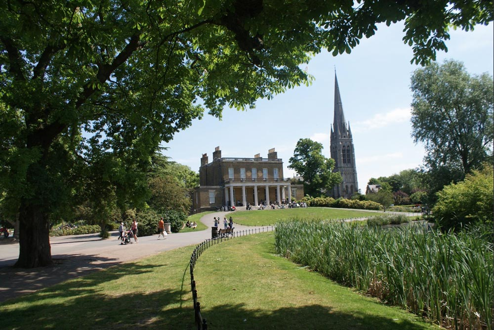Clissold House dans le Clissold Park, quartier de Stoke Newington à Londres.