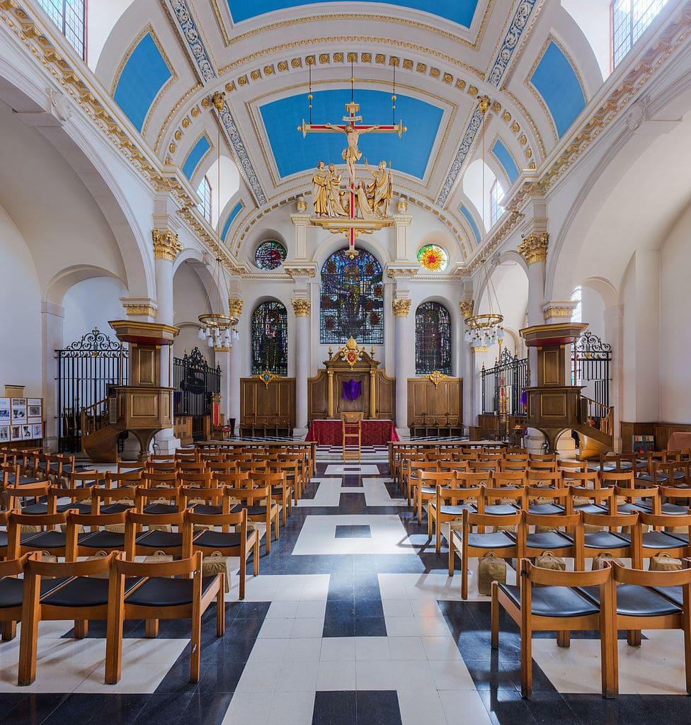 Dans l'église St Mary le Bow dans le quartier de la City à Londres - Photo de DAVID ILIFF. License: CC BY-SA 3.0