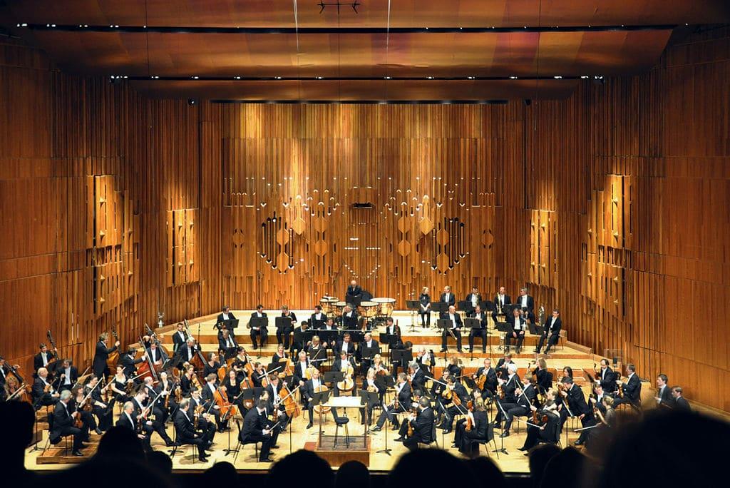Salle de concert du Barbican Hall dans la City à Londres - Photo d'User-FA2010
