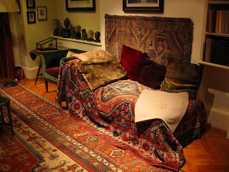Le canapé de Freud dans le Freud Museum. Dans le quartier de Hampstead à Londres. Photo de Robert Huffstutter