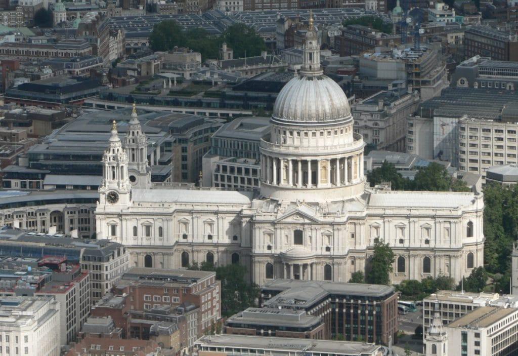 Vue aérienne de la Cathédrale de Saint Paul à Londres - Photo de Mark Fosh