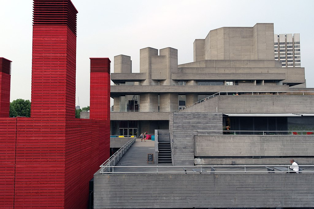 Architecture brutaliste du National Theatre sur la rive sud de Londres - Photo de Chuckchuckle