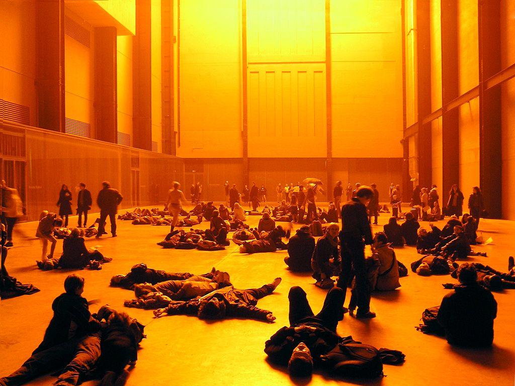 Installation d'Ólafur Elíasson dans le musée de la Tate Modern à Londres - Photo de Bjoss