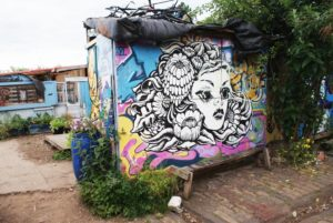 Jardin + Street Art = Nomadic community garden à Londres