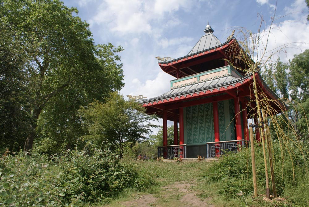 Pagode chinoise dans la partie sud du Victoria Park près de Bethnal Green à Londres.