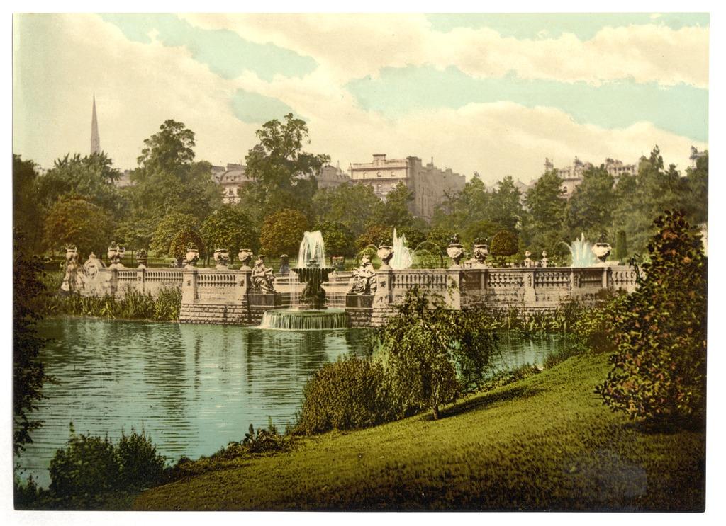 Hyde Park & Kensington Gardens à Londres : Art, cygnes et