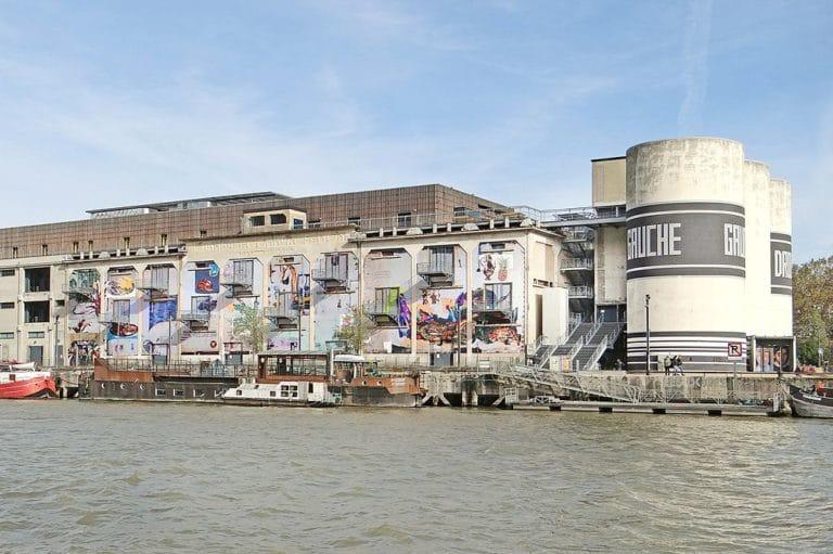 Batiment de la Sucrière, lieux d'expos dans le quartier de Confluence à Lyon - Photo de Jean Pierre Dalbéra