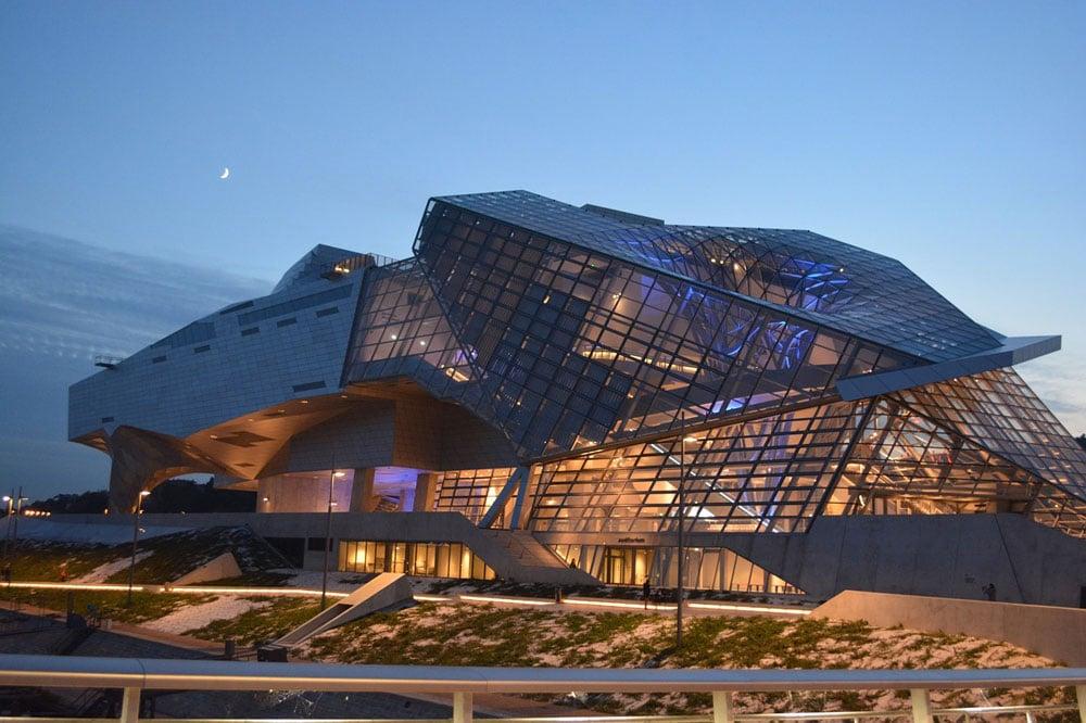 Architecture insolite avec le Musée de la Confluence à Lyon.