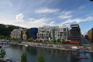 Quartiers de Confluence et de Perrache à Lyon : Architecture moderne et industrielle