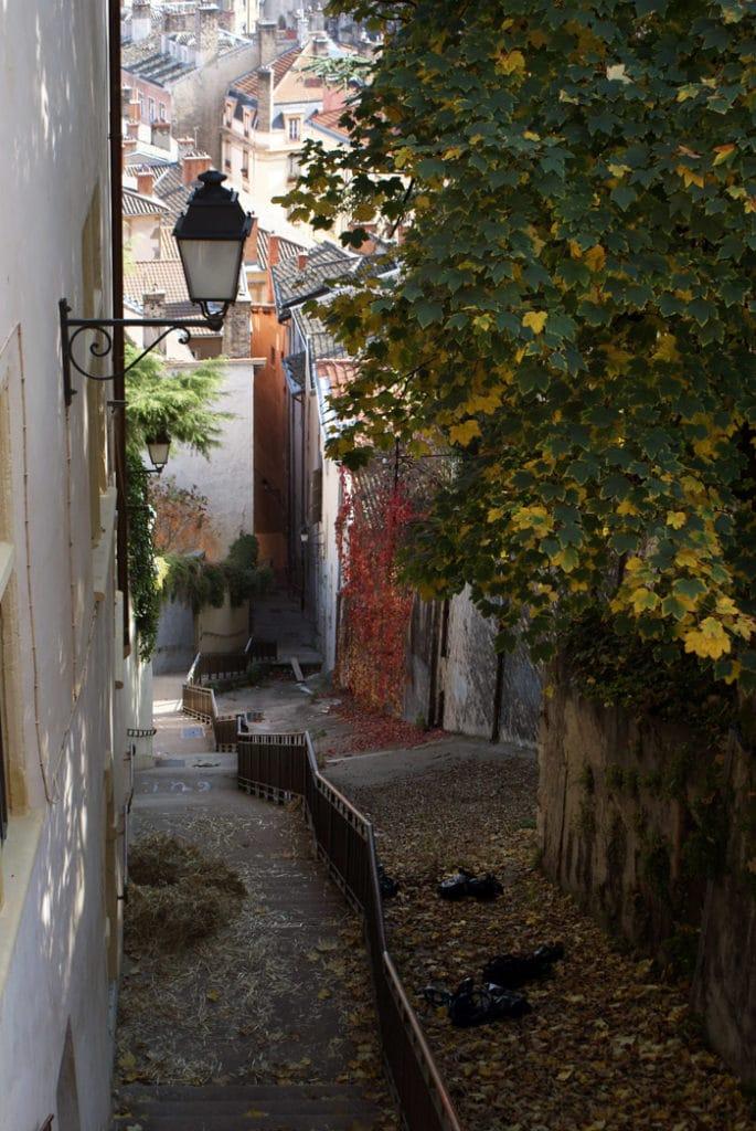 Montée des Chazeaux : Escalier menant de la colline de Fourvière au quartier de Saint Jean dans le Vieux Lyon.