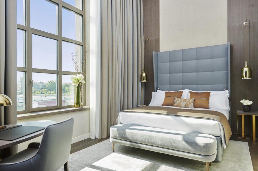 Intercontinental Hotel Dieu : Hotel de luxe et batiment historique à Lyon.
