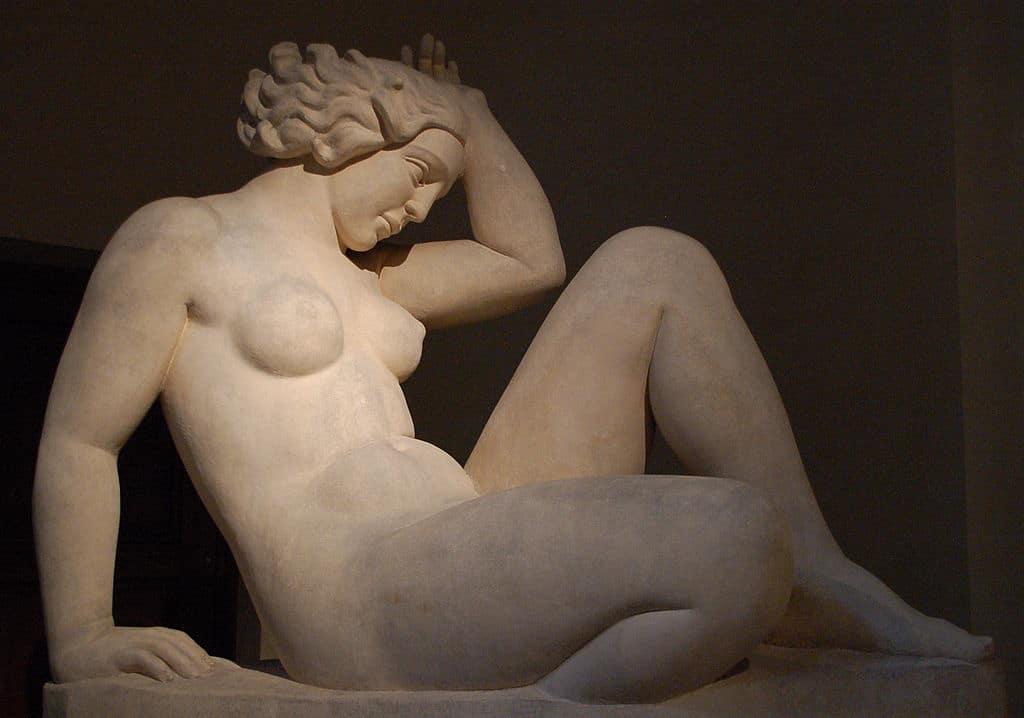 """Sculpture """"La montagne"""" d'Aristide Maillol (1937) au Musée des Beaux Arts de Lyon."""