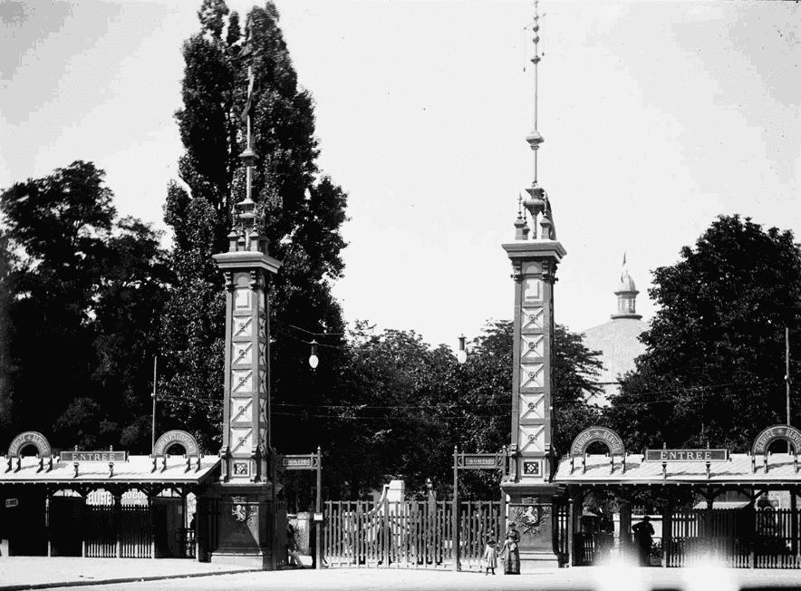 Entrée du parc de l'exposition universelle de 1894 à Lyon.