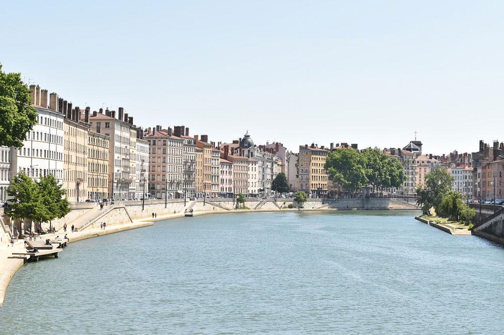 Quai de Saône dans le quartier des Terreaux à Lyon.