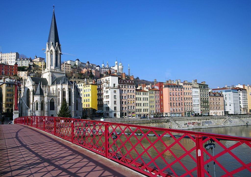 Eglise Saint Georges dans le Vieux Lyon - Photo de Phinou