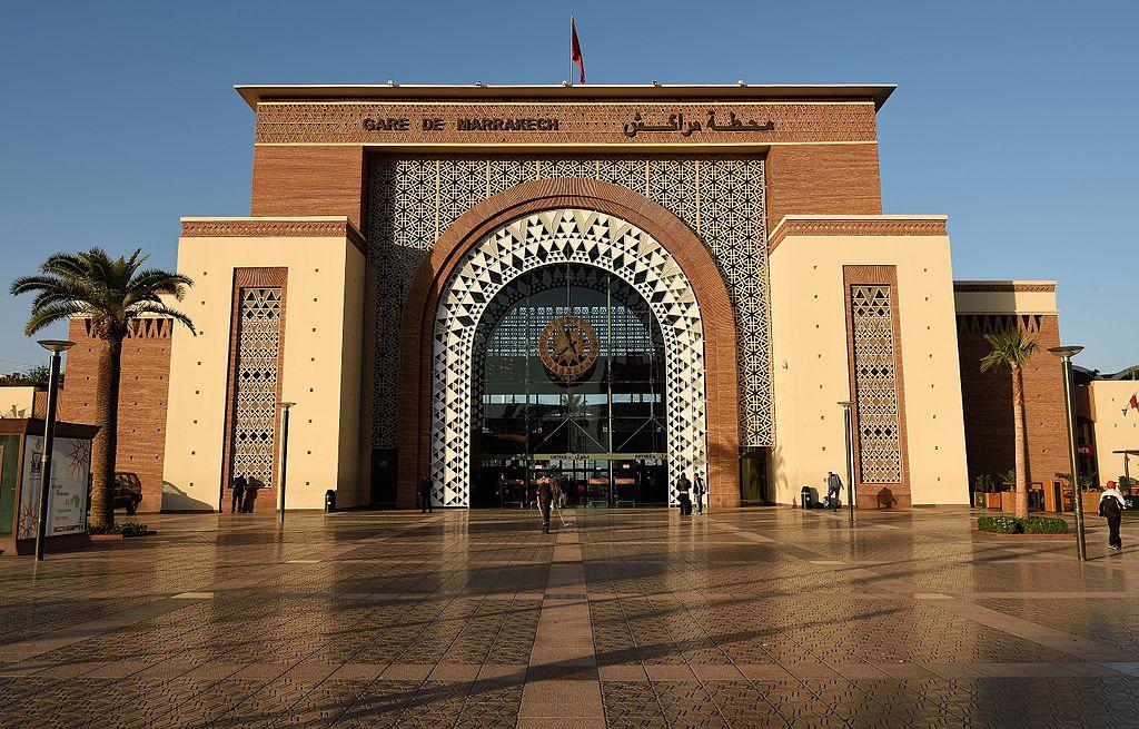 Gare ferroviaire dans le quartier de Guéliz à Marrakech - Photo de Tim Adams