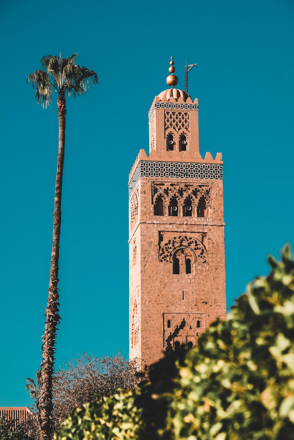 Minaret de la mosquée de Koutoubia entre l'Hivernage et la Médina de Marrakech - Photo de Luca Anasta