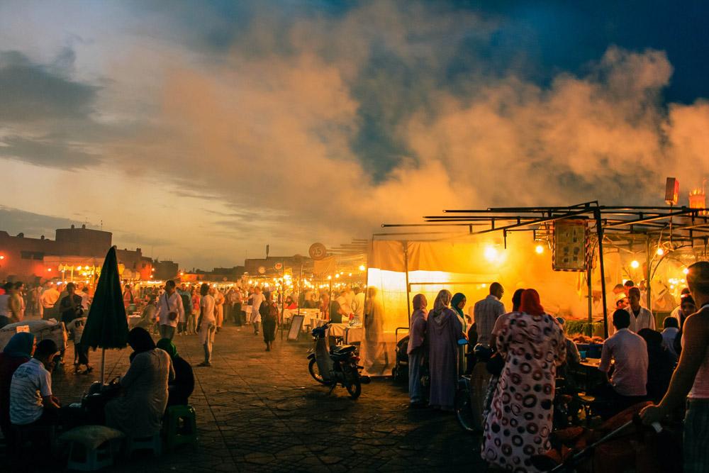 Place de Jemaa en Fna dans la Médina de Marrakech - Photo de Juan Ignacio Tapia