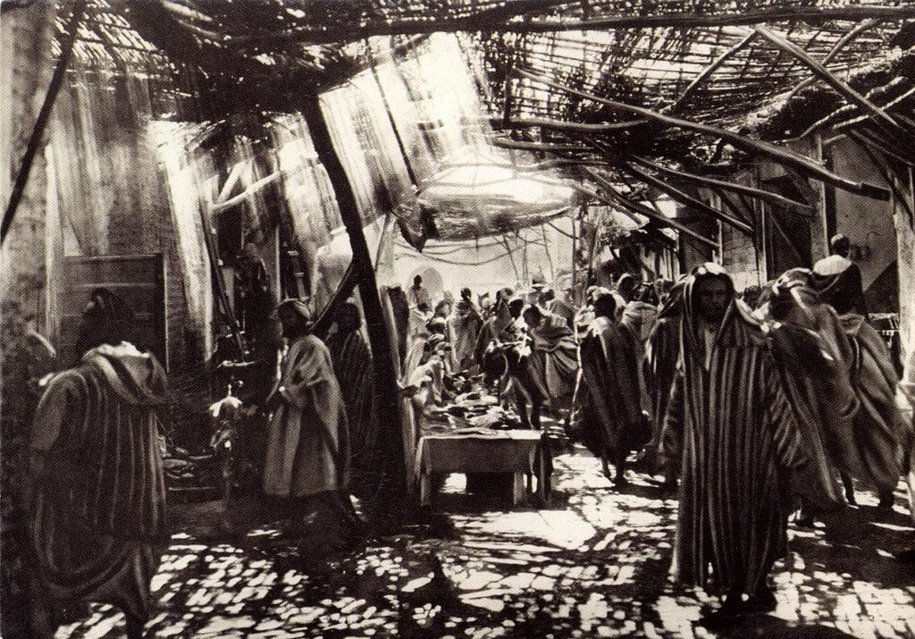 Photo du souk de la Médina dans les années 1920/1930 par Flandrin au Musée de la Photo de Marrakech.