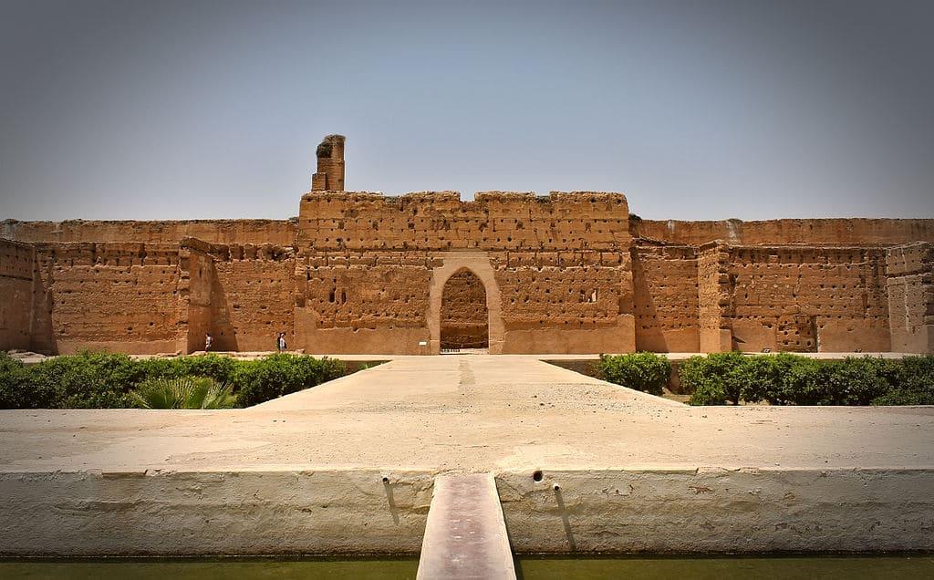 Façade intérieure nord du Palais El Badi à Marrakech au Maroc - Photo de M0tty, licence CC-BY-SA-3.0,2.5,2.0,1.0.
