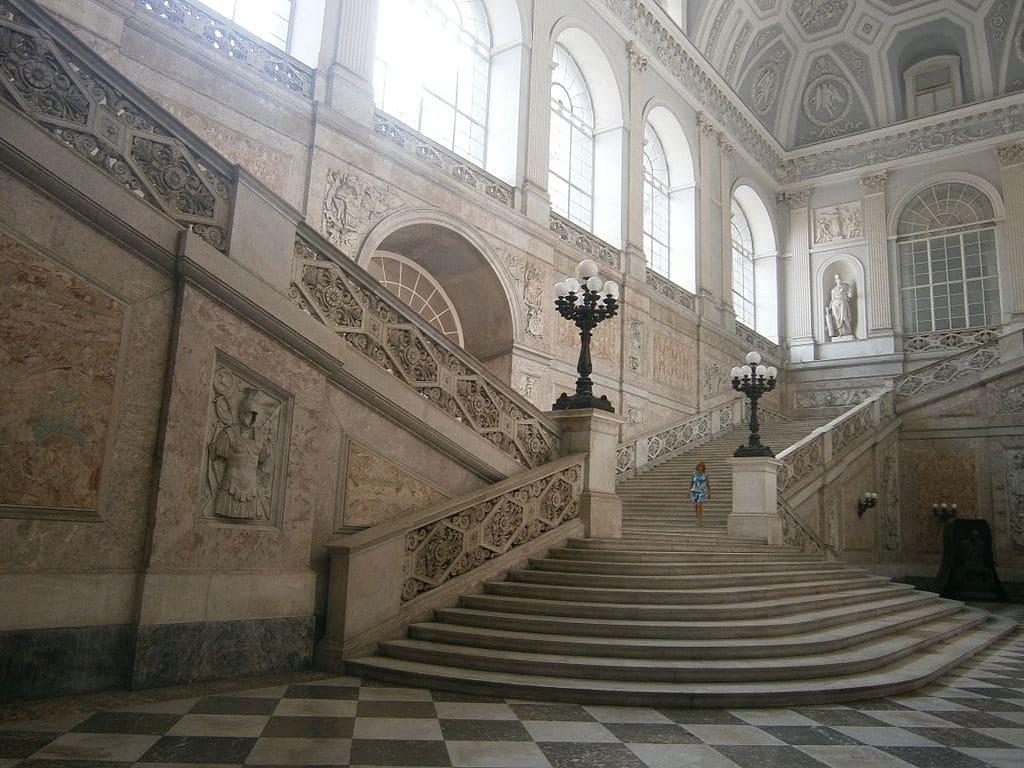 Escalier monumental du Palais Royal de Naples - Photo d'Irureta