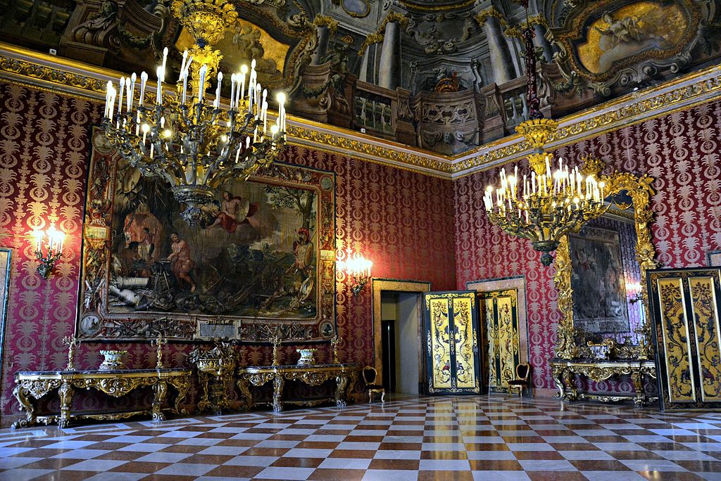 Salle II du Palais Royal de Naples - Photo de Mentnafunangann