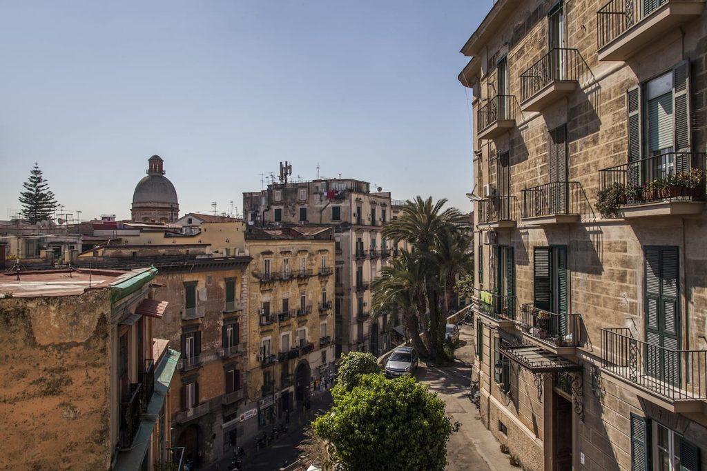 Airbnb à Naples : Appart au dessus de la vieille ville.