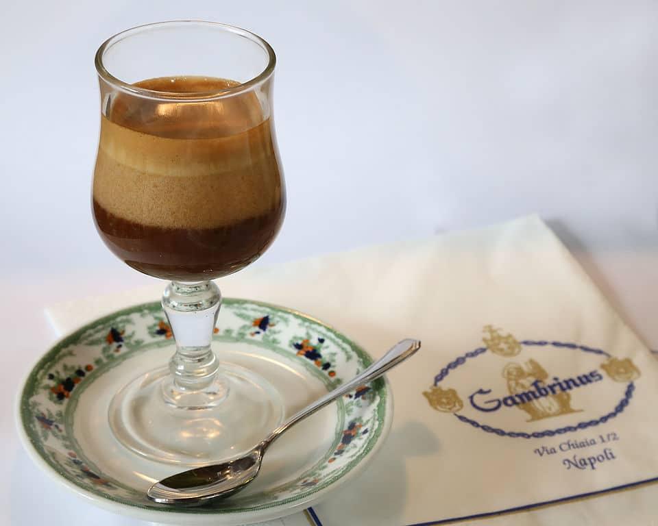 6 cafés à Naples : Classe, gourmand ou délicieux