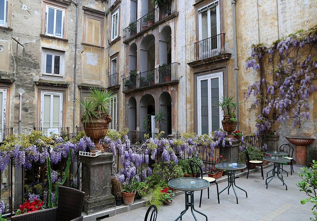 Palazzo Venezia dans le centre historique de Naples - Photo de Sailko