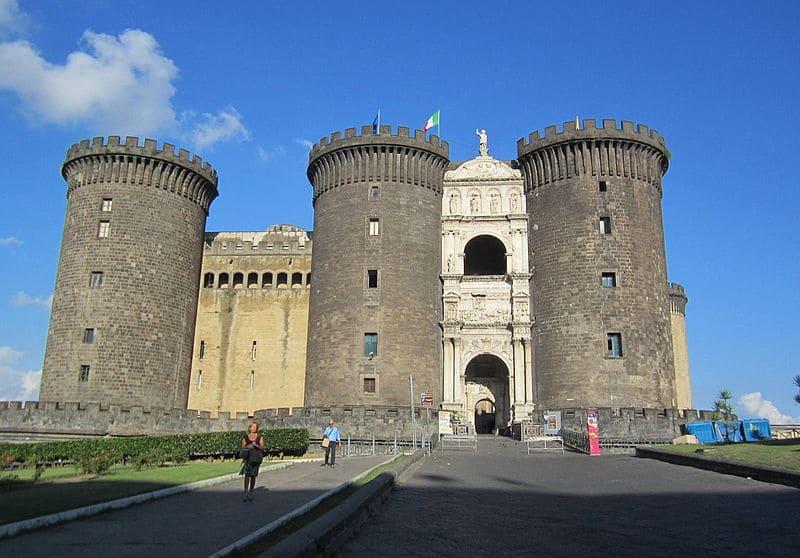 Chateau de Castel Nuovo (ou Maschio Angoino) à Naples.