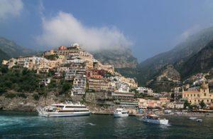 Positano près de Naples, un des joyaux de la cote Amalfitaine