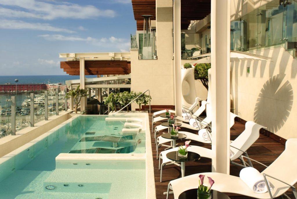 Hotel de luxe audacieux et surprenant à Naples avec le Romeo Hotel.
