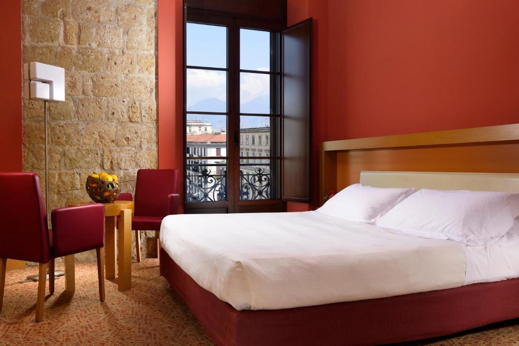 Unahotels, hotel à Naples.