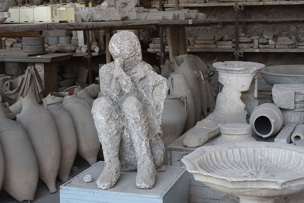 Moulage de plâtre d'une victime de l'éruption du Vésuve. Photo de Stefano Canziani