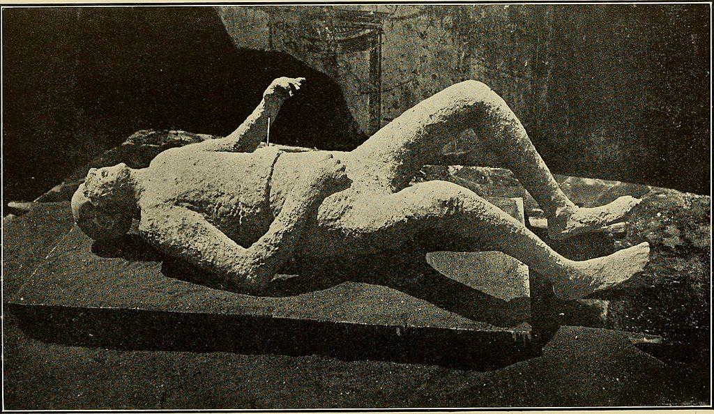 Moulage de plâtre d'une victime de l'éruption du Vésuve. Photo de Thomas Sidney