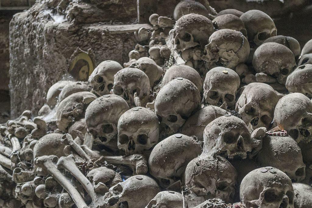 Cimetière delle Fontanelle à Naples : Macabre tradition [Sanita/Matterdei]