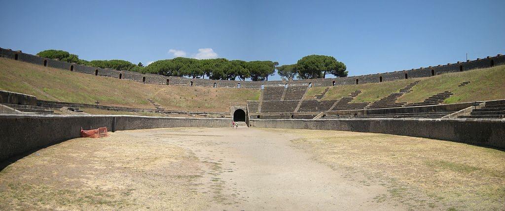 Amphithéatre de Pompéi où eurent lieu des combats de gladiateurs et le concert de Pink Floyd. Photo de Leandro Neumann Ciuffo
