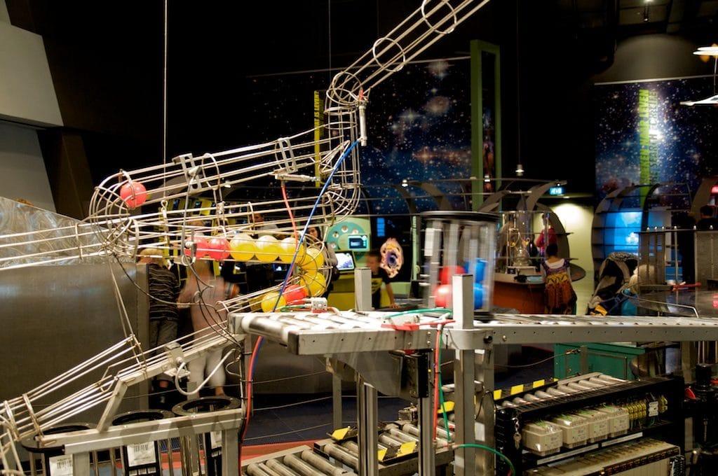 Dans le musée des sciences et de la technologie Némo à Amsterdam - Photo Peter Tjoe Fat